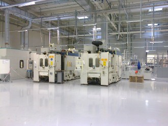 Machining centres GROB unloaded, shifted and mounted in Samara