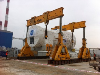 GENERAL ELECTRIC gas turbine and generator stator set on a foundation to final position in Kazan