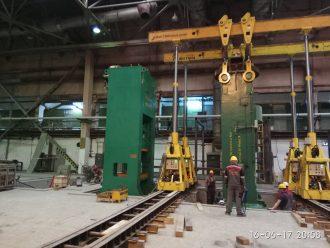 Установка пресса на фундамент с помощью портальных систем грузоподъемностью 125 тонн на Уральском трубном заводе в г. Первоуральск