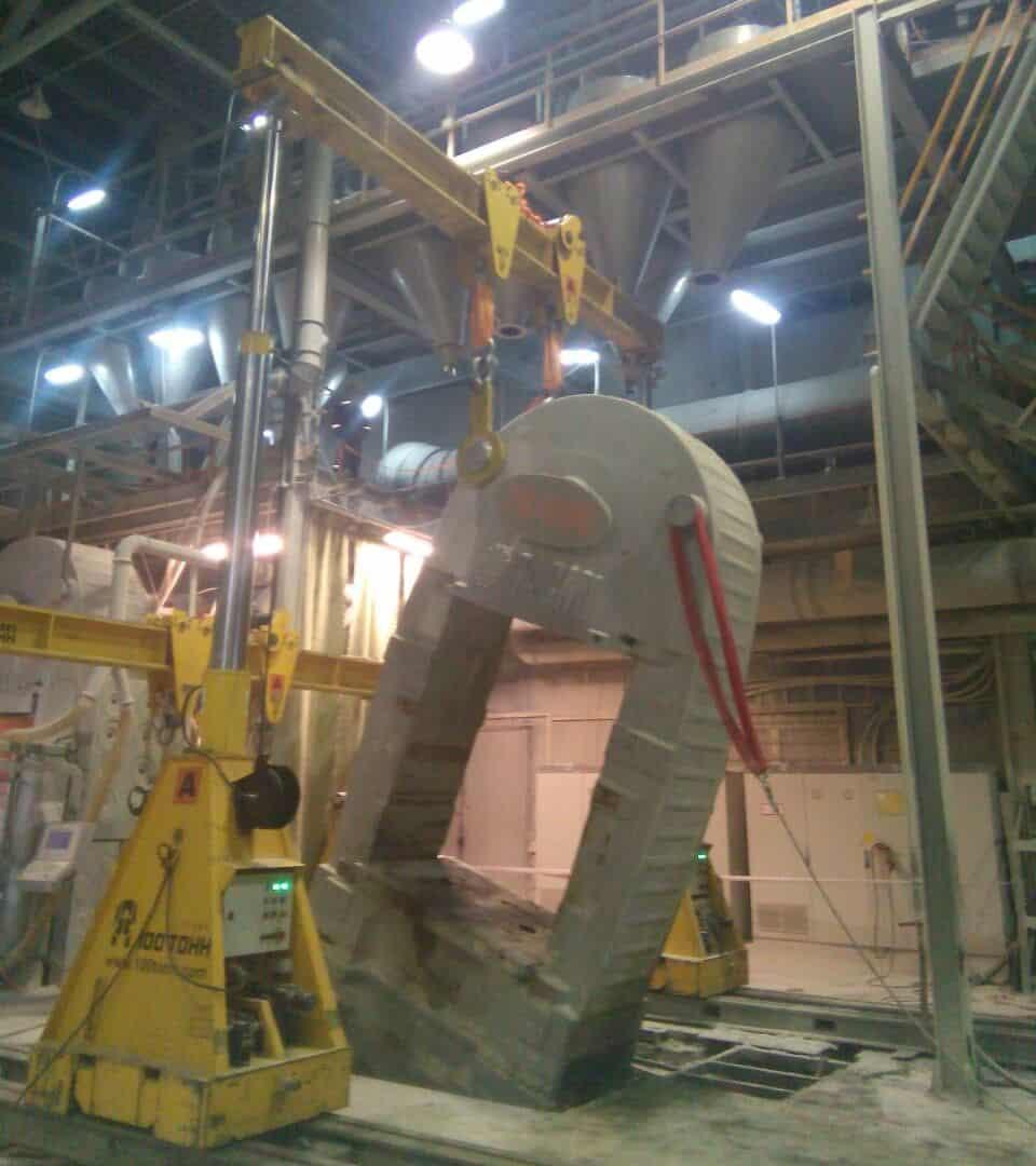 Кантование демонтированного корпуса пресса Sacmi PH4600