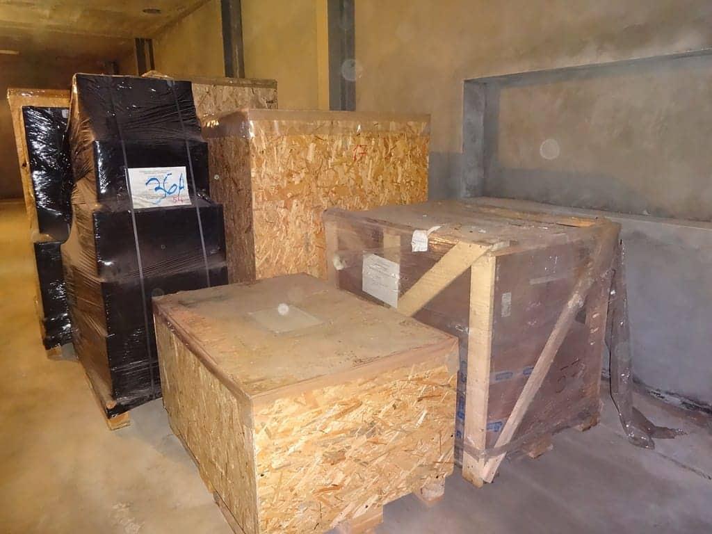 Оборудование, перемещенное в место монтажа на высоту 4,7 метра