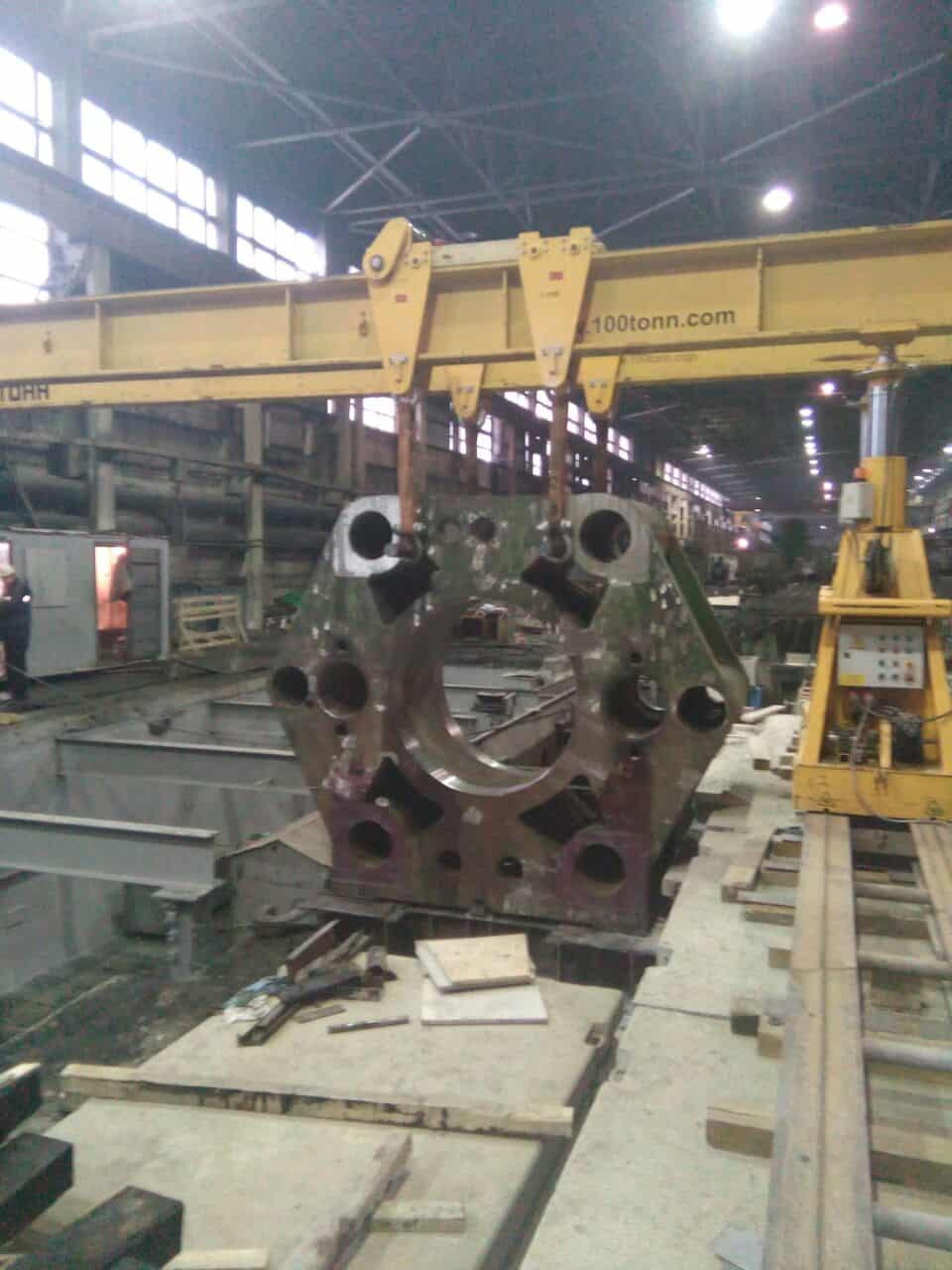 Установка в проектное положение задней траверсы горизонтального гидравлического пресса ПА8745П