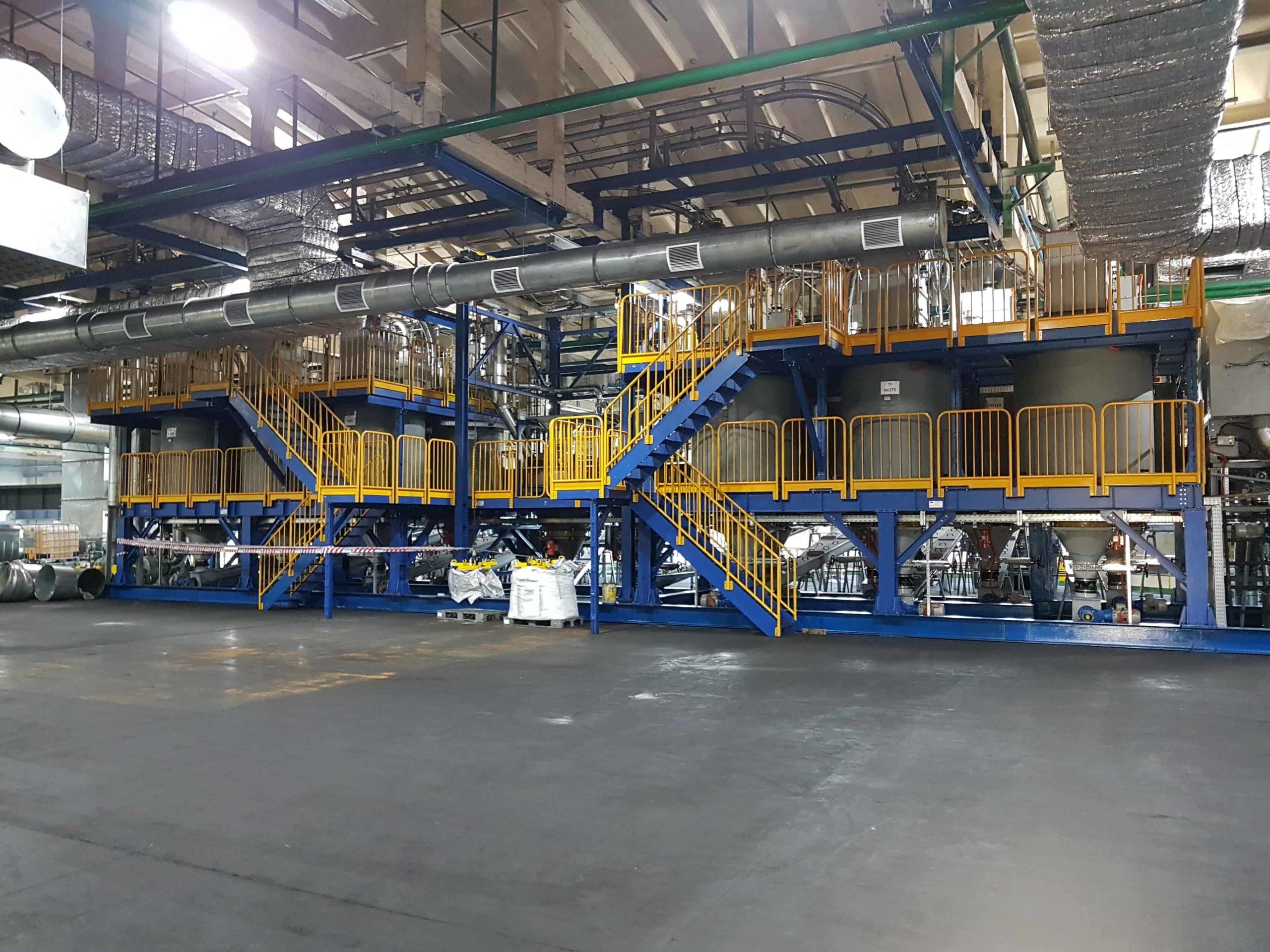 Завершен монтаж бункерного хозяйства сыпучих и связующих компонентов для производства резины