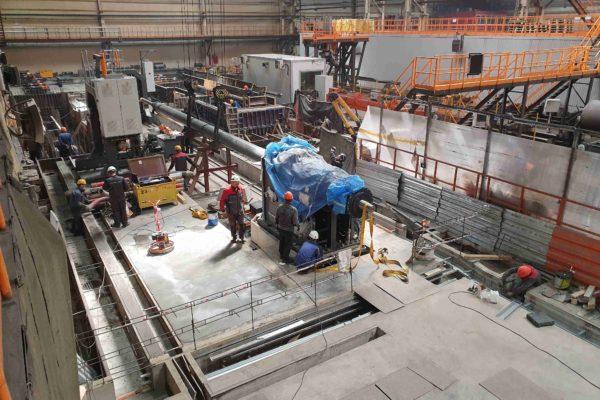 Монтаж экспандера на производстве труб большого диаметра