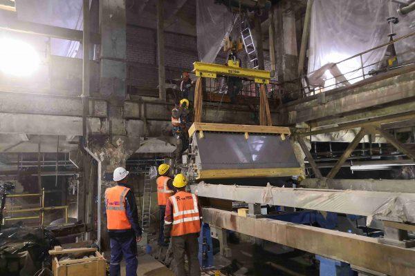Механический монтаж оборудования в останов