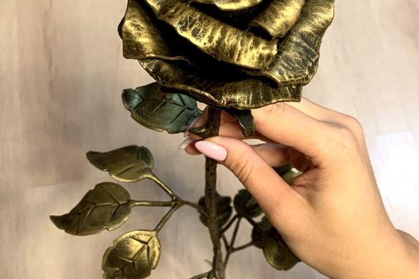 Номинация «Удивительные вещи из дерева и металла»